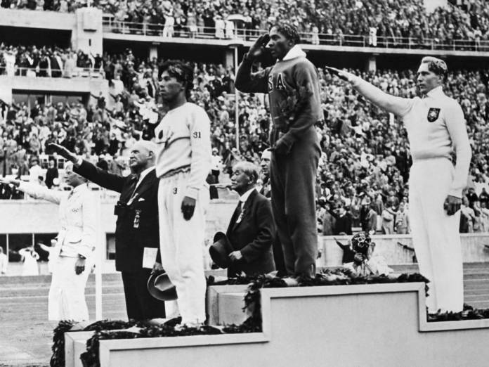 How Jesse Owens Foiled Hitler's Plans for the 1936 Olympics - HISTORY