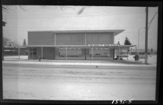 Ottawa photographer Ted Grant was hired to shoot the new branch of the Bank of Nova Scotia. Source: Ted Grant / Library and Archives Canada, Accession 1981-181, Series 61-1595 (December 1961).