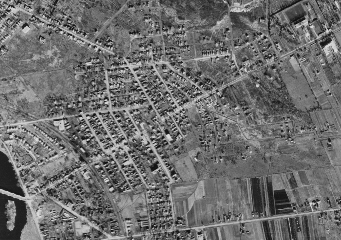 An aerial view of Eastview (Vanier) in 1945. Source: uOttawa / NAPL, Roll A9608, Image 51, October 28, 1945.