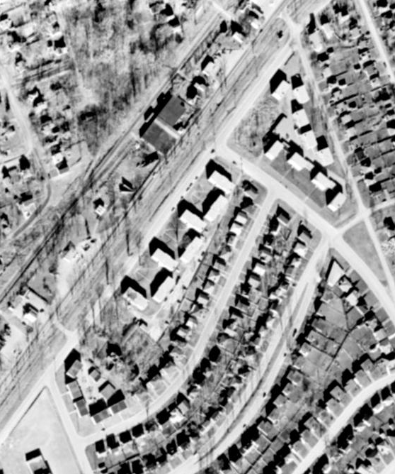 Byron Estates at the top right, today's Byron West cluster in the centre, and the Lockhart Estates at the bottom left, 1958. Source: geoOttawa.