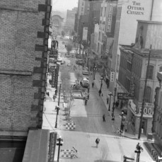 Ted Grant offers a bird's eye view of Sparks Street, as the Mall pilot project begins. The Citizen building is in the distance. Image: Ted Grant / LAC Series 60-765, Image 40.