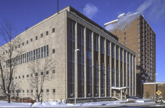 Peter Dickinson's 60 Waller in 1984. Empty, but a full decade before demolition. Image: Hellmut Schade / Carleton University Audio-Visual Resource Centre.