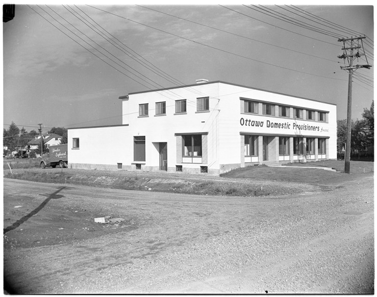 Ottawa Domestic Provisioners' new warehouse at 830 Campbell Avenue in 1956. Source: City of Ottawa Archives CA040033.