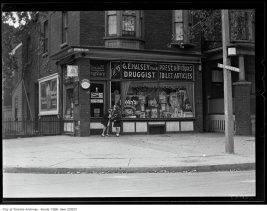 Halsey Drug Store, 160 Symington, corner of Wallace, on September 21, 1930. Image: City of Toronto Archives, Fonds 1266, Item 22027.