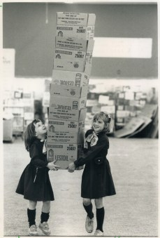 Brownies with a stack of empty boxes that were to be filled with donated food. 1988. Image: Andrew Stawicki / Toronto Star / Toronto Public Library, Baldwin Collection, Item TSPA 0008215f.