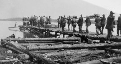 Carrying the dead, Porcupine fire, 1911. Image: Arthur Tomkinson / Library and Archives Canada / PA-029806.