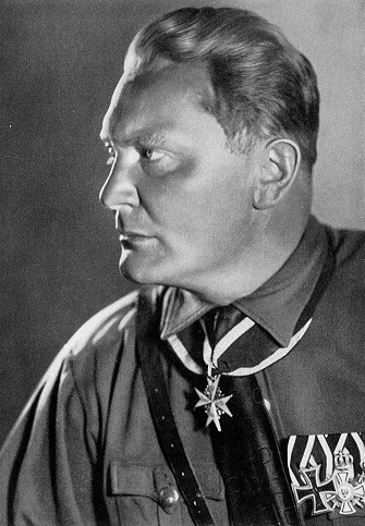 https://i2.wp.com/www.historyplace.com/worldwar2/holocaust/hol-pix/goering.jpg