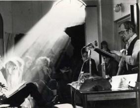 image of bob gilding delivering a paper at history workshop 5