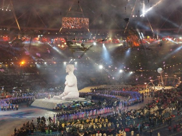 Alison_Lapper_Pregnant_Paralympics_opening_ceremony