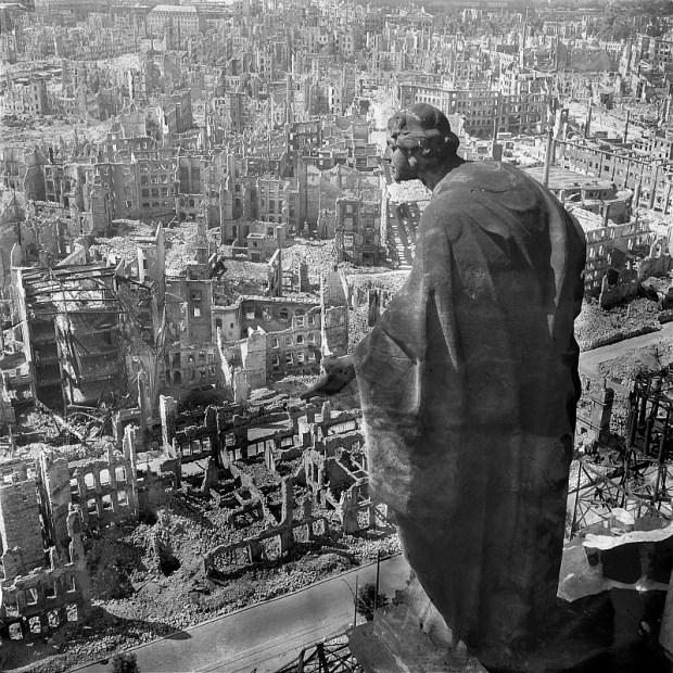 Dresden, Blick vom Rathausturm , 1945; Photographer: Richard Peter. Credit: Deutsche Fotothek and Wikicommons http://commons.wikimedia.org/wiki/File%3AFotothek_df_ps_0000010_Blick_vom_Rathausturm.jpg