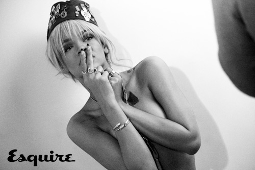 Rihanna-topless-behind-the-scenes-Esquire-UK-photoshoot-2012