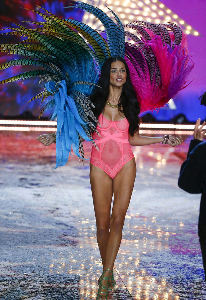 Victoria's Secret Fashion Show 2015 10