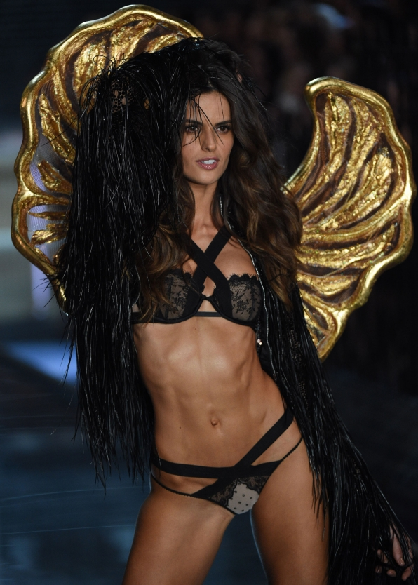 Victoria's Secret Fashion Show 2015 24