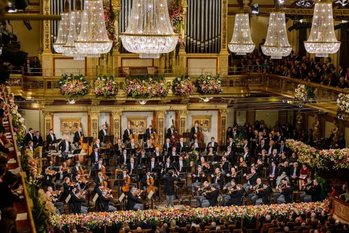New Year's Concert 2017 - Vienna Philharmonic Orchestra - Hit Channel