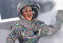 Katy Perry - MTV Video Music Awards - VMA 2017 (space suit) - Hit Channel