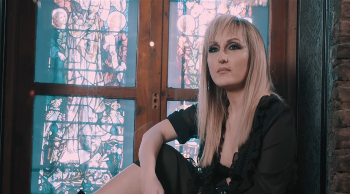 Diana - Πάλι Σε Θυμάμαι (video clip) - Hit Channel