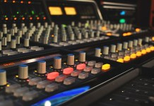 mixing console - Hit Channel