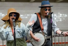 Christina Aguilera & Jimmy Fallon busk in NYC Subway in Disguise - Hit Channel
