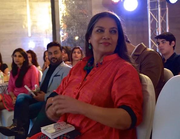 MUMBAI, INDE - 15 NOVEMBRE: Shabana Azmi lors du lancement du deuxième livre de Twinkle Khanna, The Legend of Lakshmi Prasad, publié par Juggernaut Books, dont elle a lu un extrait, au JW Marriott le 15 novembre 2016 à Mumbai , Inde. (Photo par Rubina A. Khan / Getty Images)