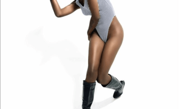 [PHOTOS] BBN Star Khloe Flaunts Her Backside In Skimpy Swimsuits 2
