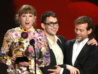 Taylor Swift Wins Album Of The Year
