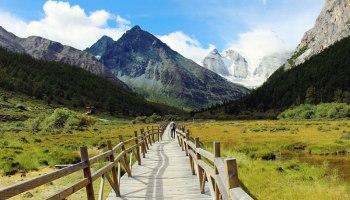 Randonner dans la Réserve Naturelle de Yading