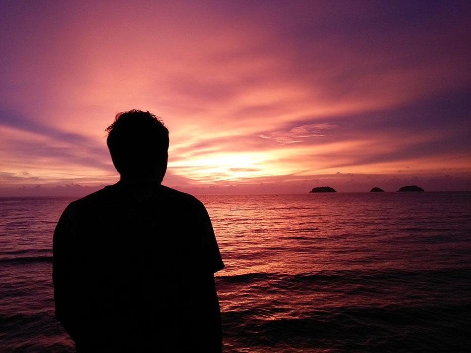 Magnifique coucher de soleil sur l'île de Koh Chang en Thaïlande