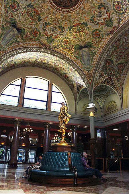 Plafond du casino Grand Cercle d'Aix-les-Bains dans le département de la Savoie en France