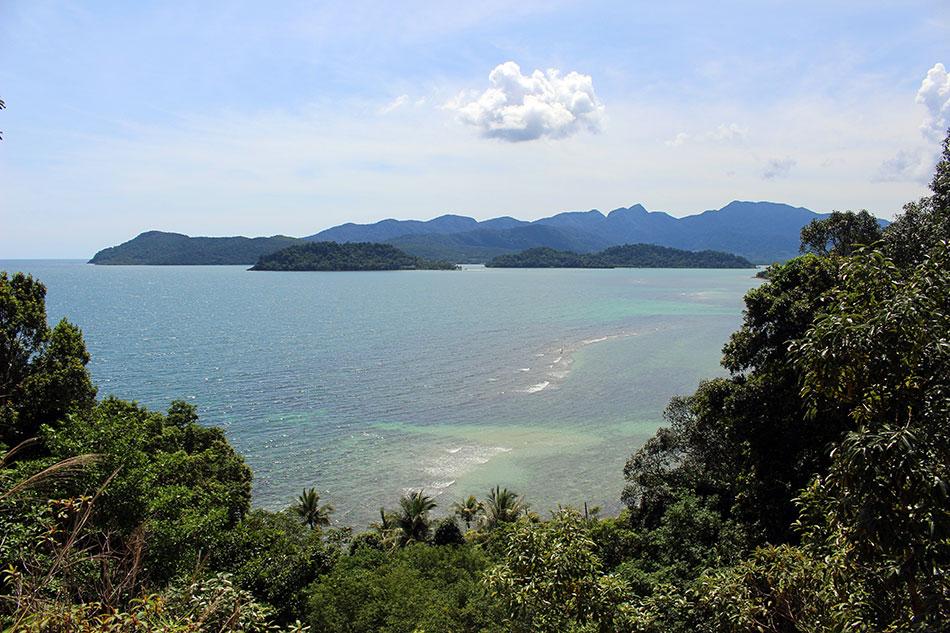 Vue sur la baie de Salak Phet sur l'île de Koh Chang dans la province de Trat en Thaïlande