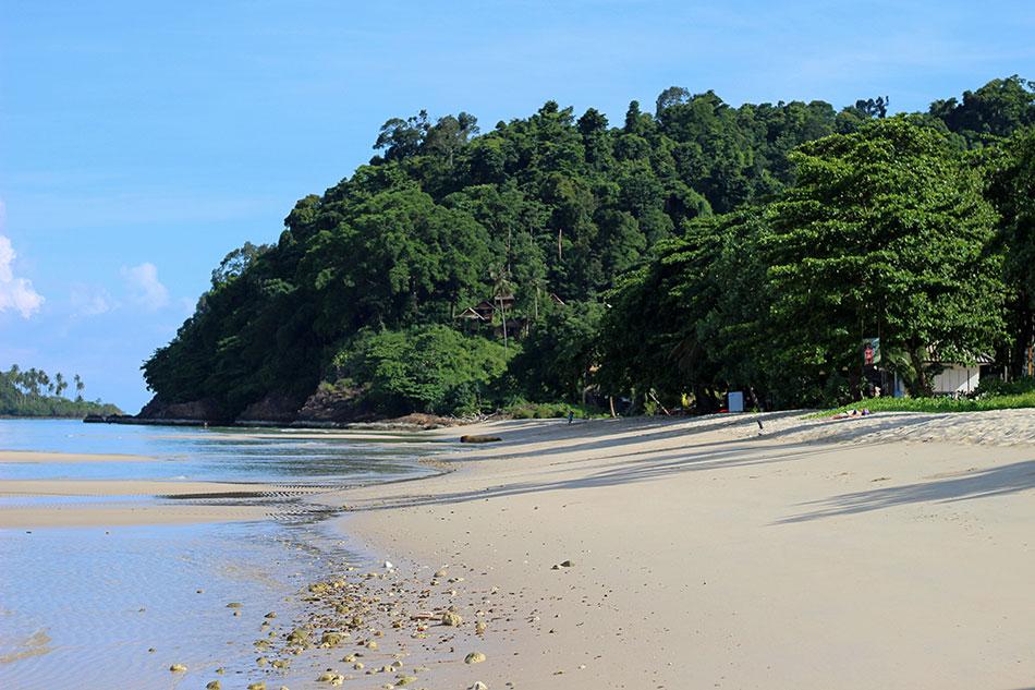 Plage de Lonely Beach à la belle saison à Koh Chang dans la province de Trat en Thaïlande.