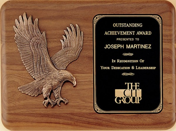 P1683 Walnut Eagle Plaque