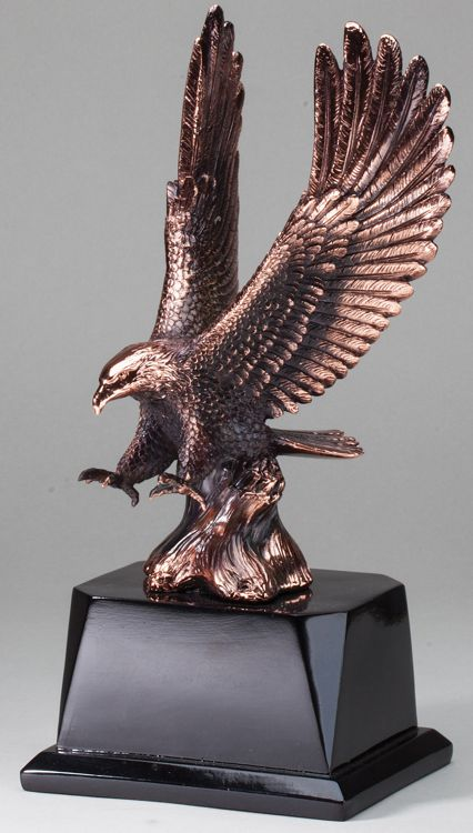 Eagle In Flight Statue AE275
