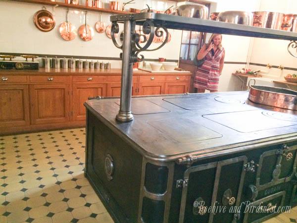 Nissim Comondo kitchen