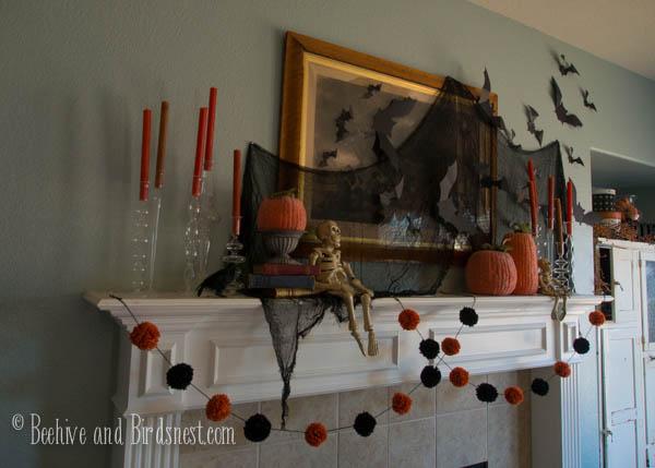 Halloween mantel closeup