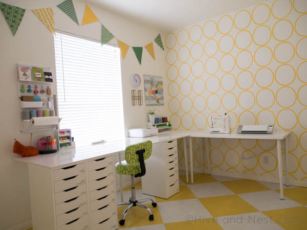 Craft room yellow modern