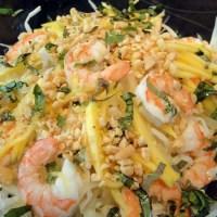Salat mit grüner Papaya, Mango und Lotusstängeln / Gỏi ngó sen