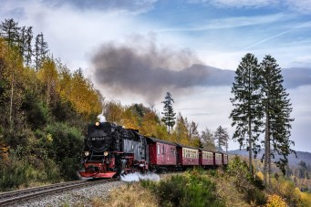 steam-locomotive-2926525