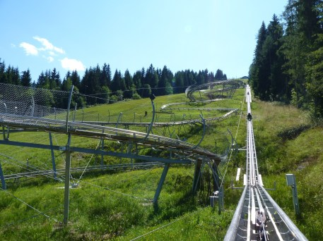 summer-toboggan-run-530029_1920