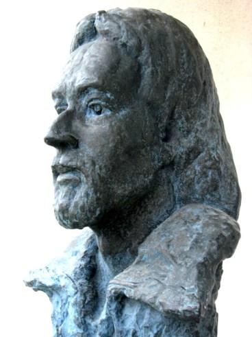 IVA NAJDRAŽE 01 sculpture in bronce dark blue Marko Marulic