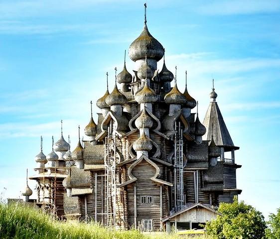V Rusku pre budúce generácie starostlivo zachovávajú krásne historické  stavby – drevené chrámy - Hlavné správy