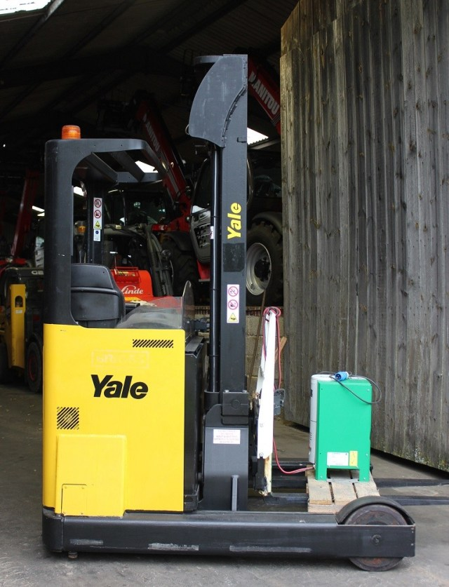 New Yale Reach Truck, in Yale colours