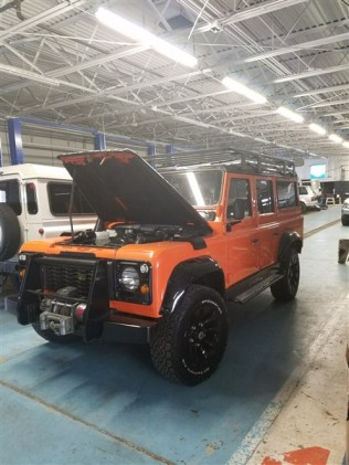Defender 110 Orange