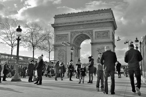 arc-de-triomphe-in-Paris