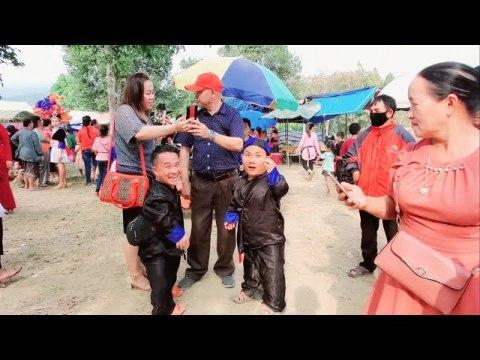 Ntoj ncig saib hluas nkauj hmoob loob xas noj 30 l Hmong girls with Hmong New Year