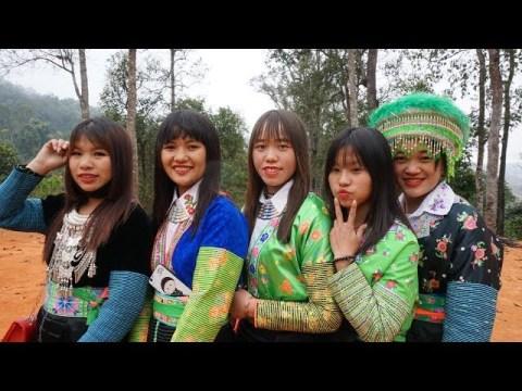 Nkauj Hmoob Siab Dub - Xaib Qhog Chaw Tshua - Hmoob film Movie