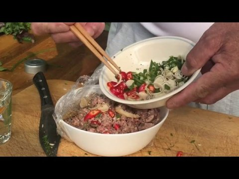 Hmong Wisdom : Squirrel Cooking - Hmong Favorite New Style ( Hmong / Hmoob / Miao Cooking )