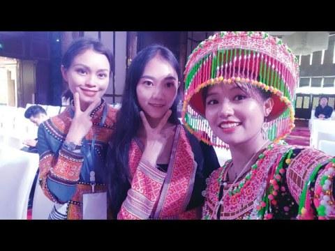 Hmoob Paj Tawg Saus Zam Zuag  /High Light Hmong Paj Tawg Fashion Show2020 /海音苗女郎文山苗族服装秀高光时刻