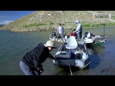 Hmong Hikers: Fishing Fishing Fishing-Nuv Ntseg