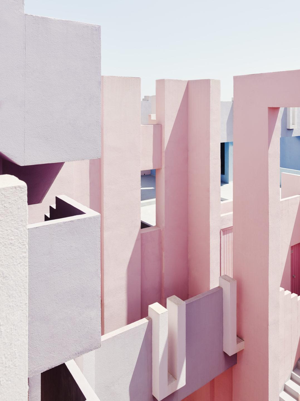 Muralla_Roja_Calpe_Spain_Ricardo_Bofill_Taller_Arquitectura_011-1078x1440