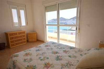 Dormitorio cama matrimonio